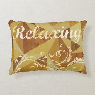 """Diseño abstracto de """"relajación"""" de Brown de la Cojín Decorativo"""