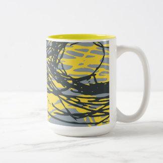 Diseño abstracto en blanco, amarillo y gris taza de dos tonos