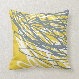 Diseño abstracto en gris y amarillo almohada