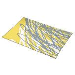 Diseño abstracto en gris y amarillo mantel individual