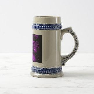 Diseño abstracto púrpura taza