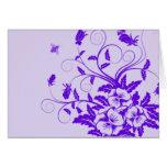 Diseño adornado púrpura de las flores y de las abe felicitación