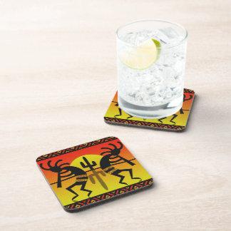 Diseño al sudoeste de Kokopelli del cactus de Sun Posavasos De Bebidas