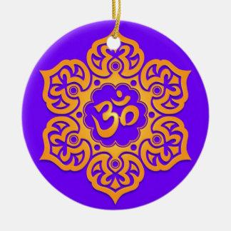 Diseño amarillo y azul floral de Aum Adornos De Navidad