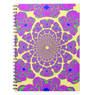 Diseño amarillo y púrpura de la estructura del áto cuaderno