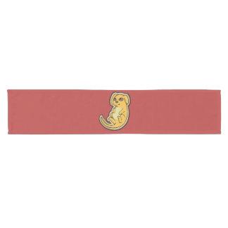 Diseño amarillo y rojo dulce del dibujo del perro camino de mesa corto