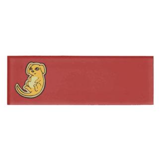 Diseño amarillo y rojo dulce del dibujo del perro etiqueta con nombre