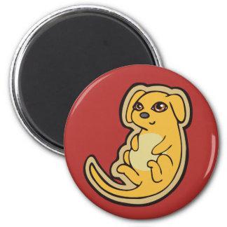 Diseño amarillo y rojo dulce del dibujo del perro imán redondo 5 cm