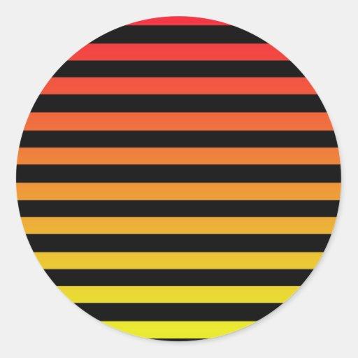 Diseño anaranjado de la raya pegatinas redondas
