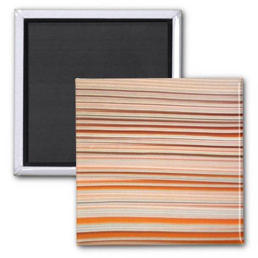 Diseño anaranjado y blanco de la raya ondulado iman de frigorífico