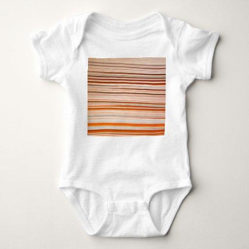 Diseño anaranjado y blanco de la raya ondulado tshirts