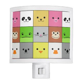 Diseño animal colorido lindo del modelo de los cua lámparas de noche