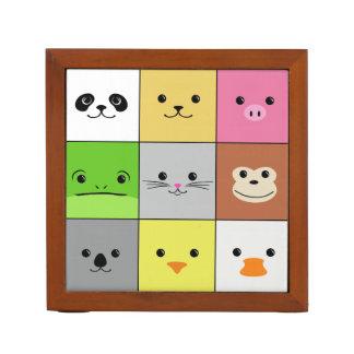 Diseño animal colorido lindo del modelo de los cua organizador de escritorio