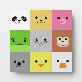 Diseño animal colorido lindo del modelo de los cua placa de plastico