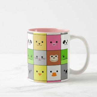 Diseño animal colorido lindo del modelo de los taza de dos tonos