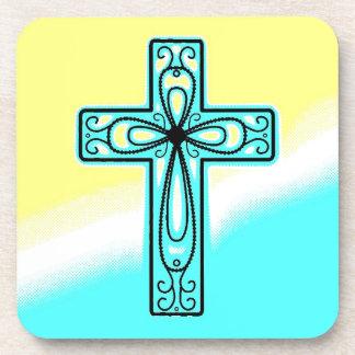 Diseño antiguo de la cruz céltica de la turquesa posavaso