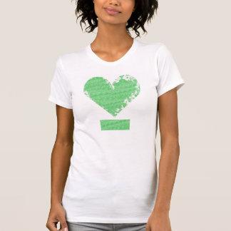 Diseño apenado del corazón playera