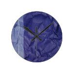 Diseño arrugado del fondo del papel del añil reloj