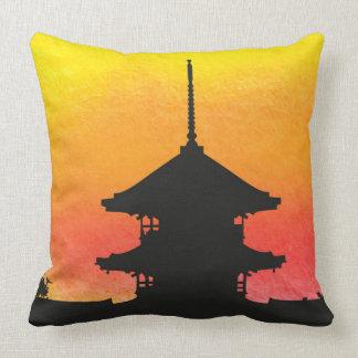 Diseño artístico colorido de la silueta de la almohadas