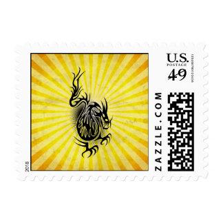 Diseño asiático amarillo del dragón sello