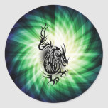 Diseño asiático del dragón; fresco pegatinas redondas