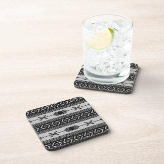 Diseño azteca blanco y negro del sudoeste del posavasos de bebida