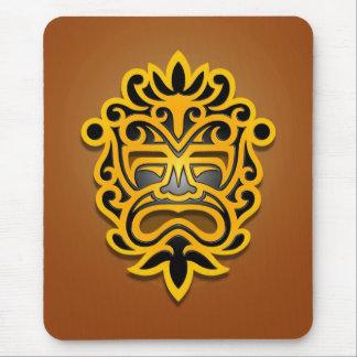 Diseño azteca de la máscara (amarillo) mouse pad