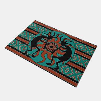 Diseño azteca tribal del sudoeste de Kokopelli Felpudo