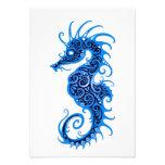 Diseño azul complejo del Seahorse en blanco Invitacion Personalizada