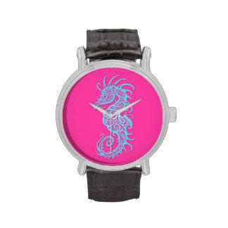 Diseño azul complejo del Seahorse en rosa Reloj De Mano