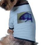Diseño azul de los pescados camisetas de mascota