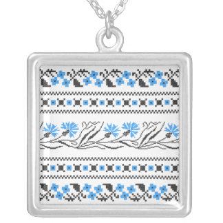 Diseño azul del punto de cruz del Cornflower Collar Plateado