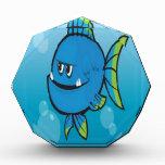 Diseño azul divertido de los pescados
