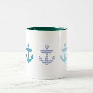 Diseño azul náutico de las anclas taza de dos tonos