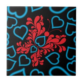 Diseño azul y rojo del corazón de la mariposa tejas  cerámicas