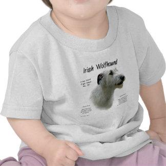 Diseño blanco de la historia del Wolfhound irlan Camisetas