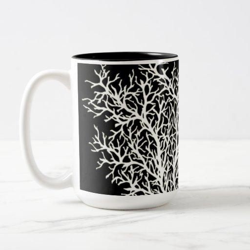 Diseño blanco del árbol - taza