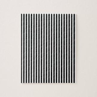 diseño blanco negro de la raya rompecabezas con fotos