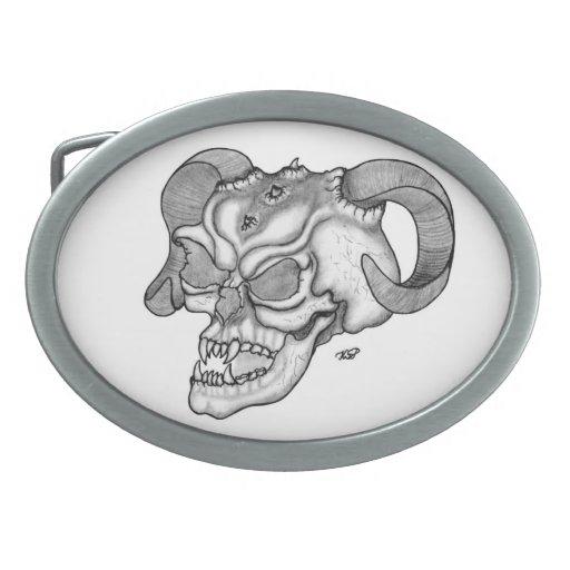 Diseño blanco y negro de la cabeza del diablo del  hebillas de cinturon ovales