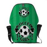 Diseño blanco y negro del chica del fútbol bolsas de mensajeria
