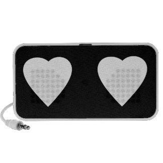Diseño blanco y negro del corazón del amor altavoces de viaje