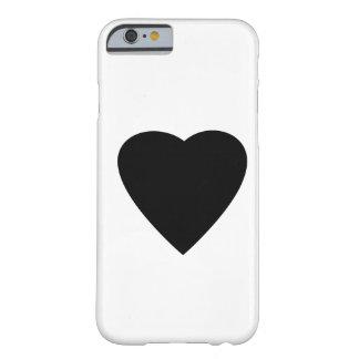 Diseño blanco y negro del corazón del amor funda de iPhone 6 slim