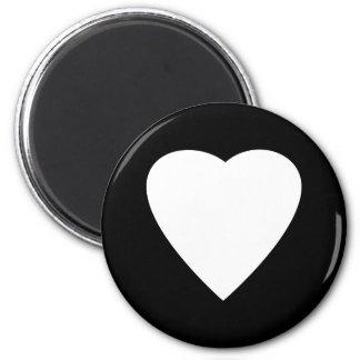 Diseño blanco y negro del corazón del amor imán redondo 5 cm