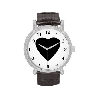 Diseño blanco y negro del corazón del amor reloj