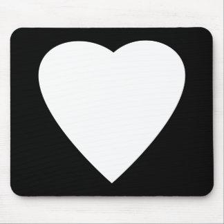 Diseño blanco y negro del corazón del amor alfombrilla de ratón