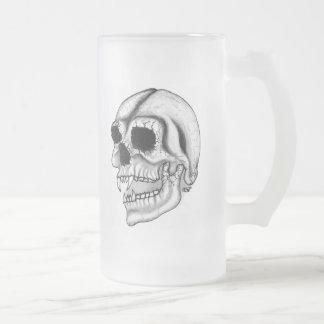 Diseño blanco y negro del cráneo de Vampir Jarra De Cerveza Esmerilada