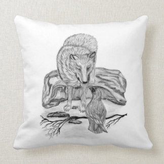 Diseño blanco y negro del lobo y del cuervo cojín decorativo