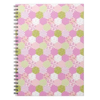 Diseño bonito del edredón de remiendo del verde de cuadernos