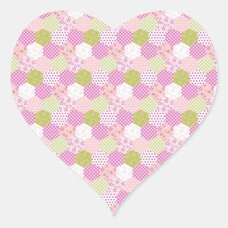 Diseño bonito del edredón de remiendo del verde pegatina en forma de corazón