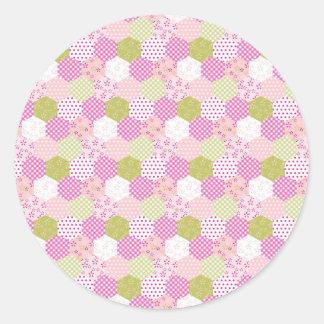 Diseño bonito del edredón de remiendo del verde pegatina redonda